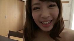 橋本梨菜 エロいボディコン着たお姉さんが部屋でランジェリーに