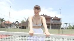 平嶋夏海 ビキニ姿でむっちりおっぱい揺らしながらテニス