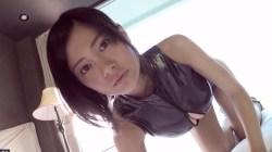 RaMu 光沢レオタードで色っぽくベッドの上で迫ってくる巨乳美少女