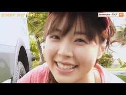 川村那月 洗車中のむっちり美女に水をかけたりしながら遊ぶ