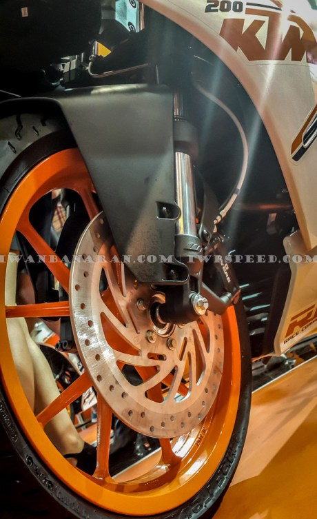 KTM Duke dan RC200 (23)