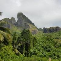 La randonnée sportive de Bora Bora : la grotte d'Anau.