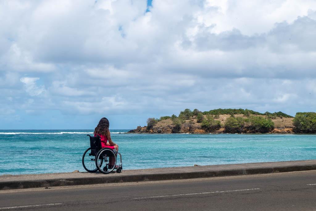 martinique plage fauteuil roulant
