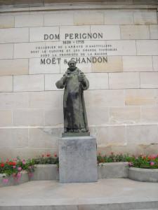 statue Dom Perignon IWINETC 2015