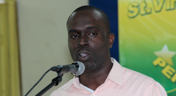 Phillips Jackson of the Ministry of Technology delivered the feature address. (IWN photo)