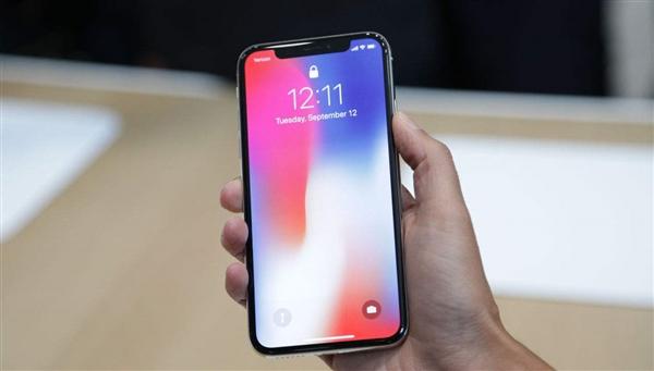 Первая партия iPhone X отправленная из Китая включает