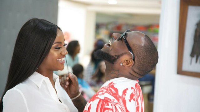 Davido Caught On Camera Licking Chioma's Face