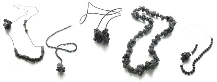 Izabella Petrut art jewelry black resin, Schmuck Kunst Design, wearable art. Vienna. Black Necklace