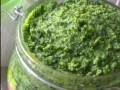 Recette N° 5 - Pesto aux fanes de radis - Crédit photo izart.fr