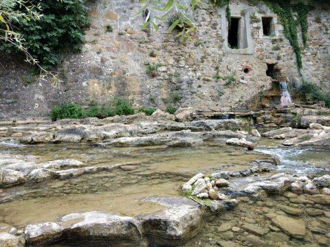 Bronzette et trempette en eaux chaudes naturelles - Crédit photo izart.fr