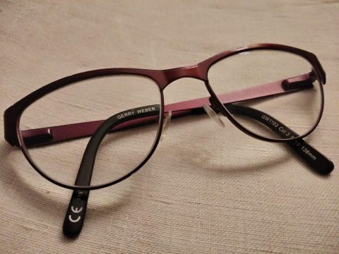 Mes futures lunettes seront 100% métal - Crédit photo izart.fr