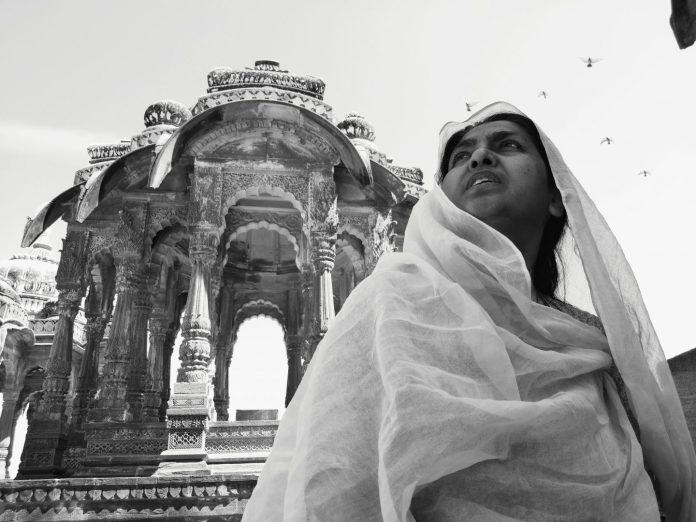 My tailor is indian - Crédit photo izart.fr