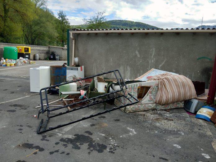 Polluez il en restera toujours quelque chose - Crédit photo izart.fr