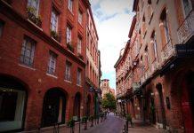Toulouse en rose et vert - Crédit photo izart.fr