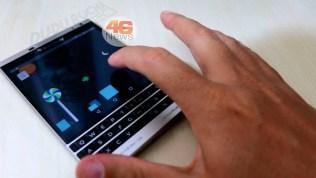 BlackBerry Passport Silver (1)