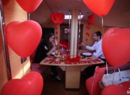 Teknede Evlenme Teklifi Organizasyonu Masa Süsleme Servisi