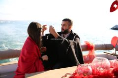 Mutluluk Teknesi Tuğçe Selim İzmir Organizasyon - Teknede Evlenme Teklifi Organizasyonu