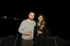izmir tekne kiralama 15 - Teknede Doğum Günü Organizasyonu Ve Sevgililer Günü Kutlama Organizasyonu