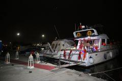izmir tekne kiralama 12 - Hıdırellez'de Teknede Havai Fişek ile Evlenme Teklifi Organizasyonu