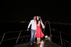 izmir tekne kiralama 19 - Hıdırellez'de Teknede Havai Fişek ile Evlenme Teklifi Organizasyonu
