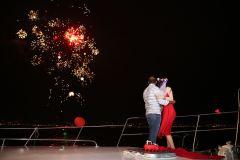izmir tekne kiralama 3 - Hıdırellez'de Teknede Havai Fişek ile Evlenme Teklifi Organizasyonu