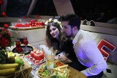teknede vip transfer ve palyaco ile evlenme teklifi organizasyonu izmir tekne kiralama 15 - Teknede VIP Transfer ve Palyaço İle Evlenme Teklifi Organizasyonu