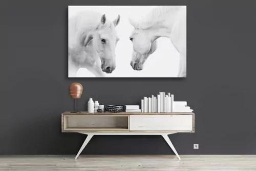 tableau deco chevaux blancs face a face