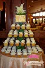 (623) Square Vase Cupcake Tower with Gold Top Tier