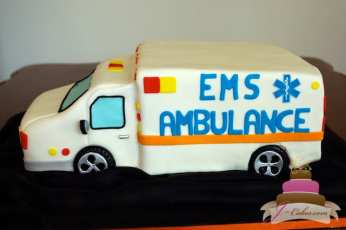 (711) Ambulance Groom's Cake