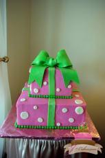 (915) Gift Box Sweet 16 Cake
