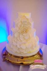 (1019) Flower Petal Wedding Cake