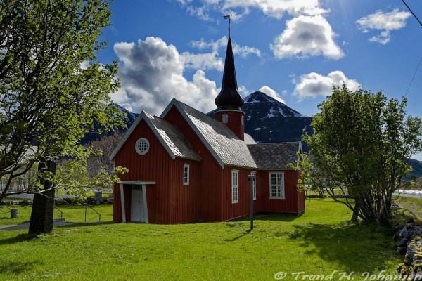 Flakstad Kirke 2016-05-20 10:00:20 Trond Heim Johansen f/11 1/250sec ISO-140 18mm