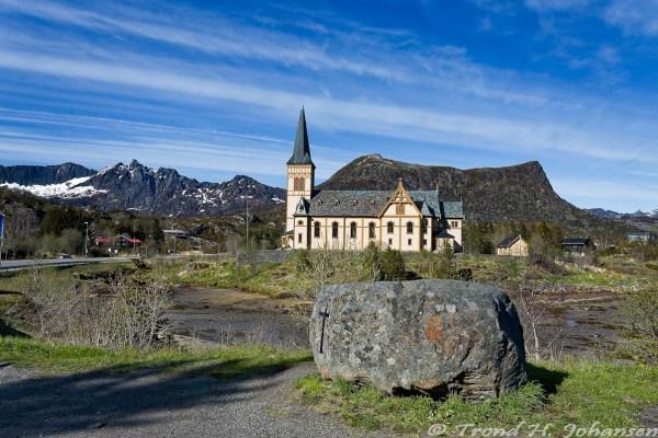 Lofotkatedralen og Trollsteinen 2016-05-20 16:33:09 Trond Heim Johansen f/11 1/320sec ISO-200 18mm
