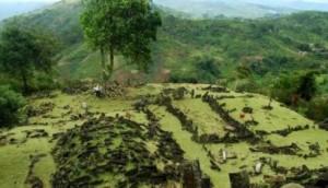 107955_situs-megalitikum-gunung-padang--cianjur--jawa-barat_663_382