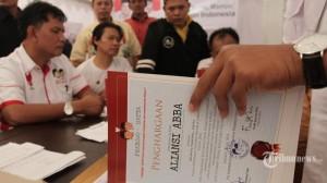 20140620_170302_relawan-antri-daftar-untuk-deklarasi