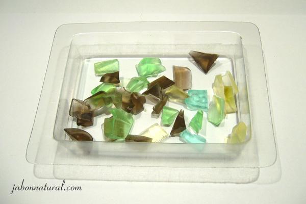 Cristales de jabón en el molde