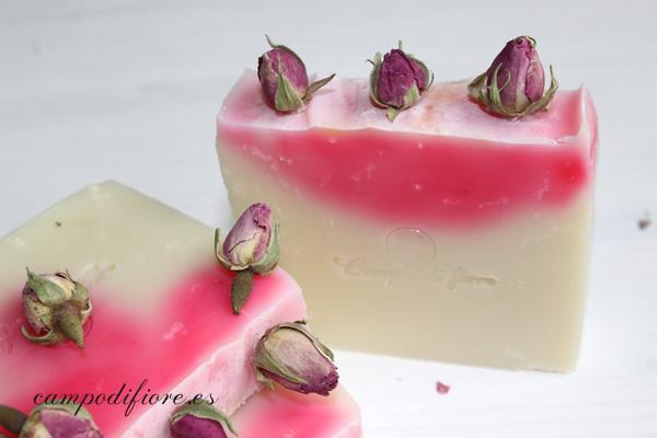 Jabón de rosas y aguacate de Campo di fiore