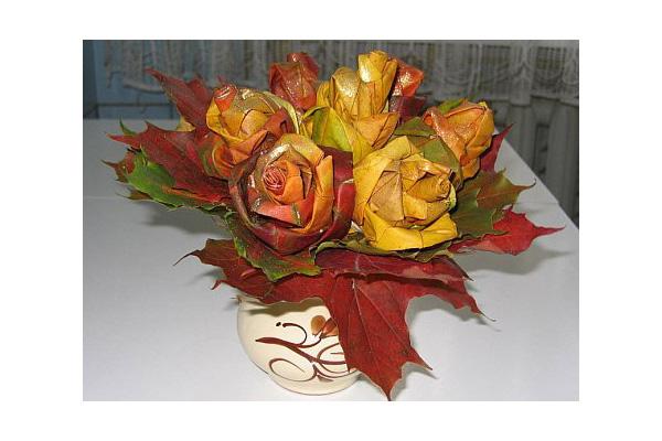 Hacer rosas a partir de hojas - jabonnatural.com