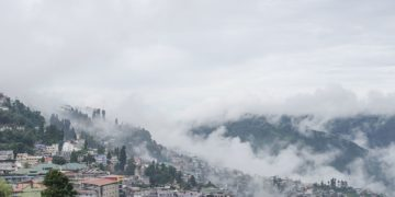 darjeeling, darjeeling places, darjeeling tourism, darjeeling tourist places list, history of darjeeling, hotels in darjeeling shopping in darjeeling