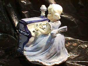 Beautiful Colorful Ceramic Little Organ Girl Music Box