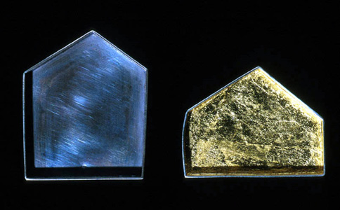 5.60 'House' 1999. Brooch; white metal (oxidised), gold leaf