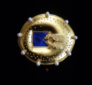 5.97 'Love Seeds' 2000. Brooch; white metal (gold plated), enamel, ruby, cultured pearl