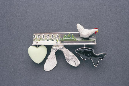 'Dear Green Place' 2003. Brooch; white metal, obsidian, lemon chrysoprase, readymade