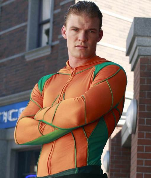 alan-ritchson-aquaman-smallville-jacket