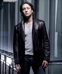 alex-oloughlin-moonlight-mick-st-john-jacket