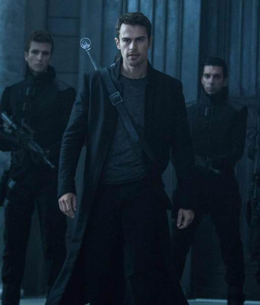 underworld-blood-wars-coat