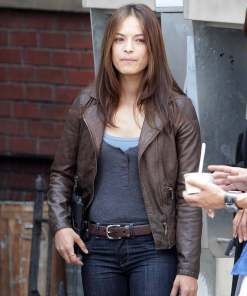 beauty-the-beast-catherine-chandler-leather-jacket