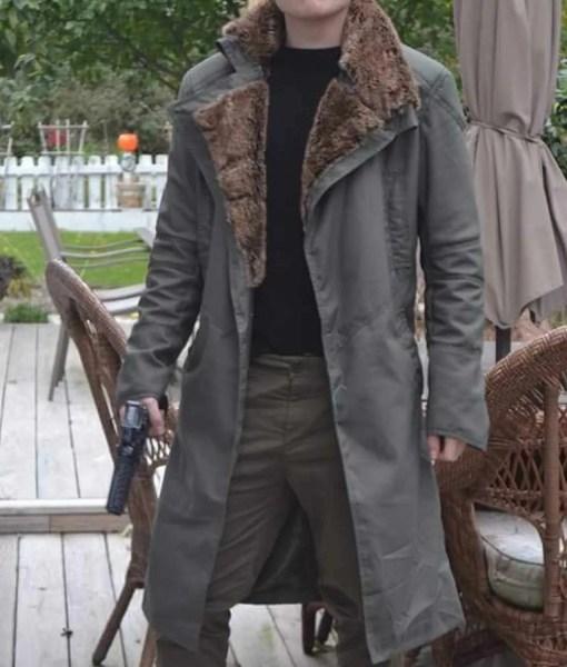 blade-runner-2049-ryan-gosling-coat