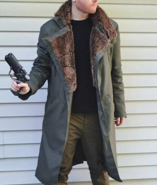 ryan-gosling-blade-runner-2049-coat