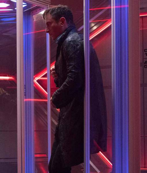 star-trek-discovery-captain-gabriel-lorca-leather-coat